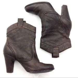 Born Brown Pull On Ankle Boots 10 - N510@&